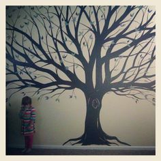 62 Trendy Family Tree Wall Painting Hallways Home Decor Tree Wall Painting, Tree Wall Art, Diy Painting, Tree Art, Family Tree Mural, Family Wall Decor, Family Room, Displaying Family Pictures, Picture Arrangements