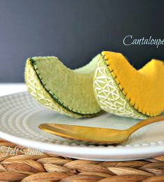 Felt Diy, Felt Crafts, Diy For Kids, Crafts For Kids, Comida Diy, Felt Food Patterns, Felt Fruit, Felt Play Food, Pretend Food