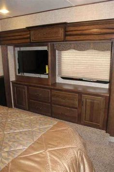 2015 Used Alpine Other Fifth Wheel in Alabama AL.Recreational Vehicle, rv, 2015 Alpine Other , 2015 3720 fb fully loaded with every option available. full body , 6 way hydraulic self leveling system, duel 15k airs with heat pumps so no propain need for heat but does have a furnace also for back up, gas fireplace, residential fridge, convection microwave oven, master bath has plenty of room with washer dryer hook ups, 1/2 bath in living room, 2 flat screen tv's, bose surround sound with blue…