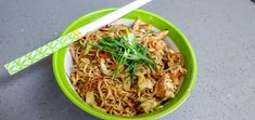 Ramen Recipes, Thai Recipes, Clean Recipes, New Recipes, Healthy Ramen, Carb Substitutes, Chicken Chow Mein, Food Words, Chicken Seasoning