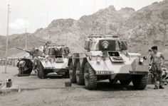 Northern Ireland Troubles, Uk Arms, Army Post, Zombie Apocalypse Survival, British Army, British Tanks, Panzer, Historical Pictures, Armored Vehicles