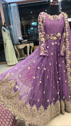Shadi Dresses, Pakistani Formal Dresses, Pakistani Wedding Outfits, Indian Gowns Dresses, Pakistani Dress Design, Bridal Outfits, Stylish Dresses For Girls, Stylish Dress Designs, Designs For Dresses