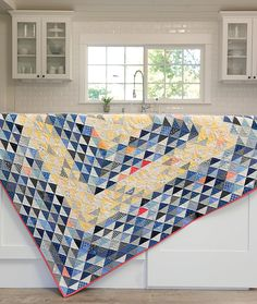 Book quilt - Oh, Scrap! Fabulous Quilts That Make the Most of Your Stash – Book quilt Quilting Projects, Quilting Designs, Quilting Ideas, Patchwork Designs, Flying Geese Quilt, Quilt Modernen, Scrap Quilt Patterns, Half Square Triangle Quilts, Scrappy Quilts