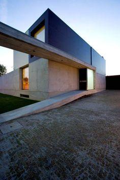 Дома в translation missing: ru.style.Дома.modern. Автор - Atelier d'Arquitectura J. A. Lopes da Costa
