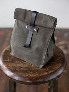 Lunch Tote in Olive & Black - No. 215 lunch tote in olive waxed canvas and Horween leather by Artifact Bag Co. Adult Lunch Bag, Sac Lunch, Lunch Bags, Diy Sac, Leather Projects, Waxed Canvas, Canvas Leather, Brown Bags, Bag Making