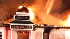 Enkele uren nadat de nieuwe Amerikaanse president Donald Trump eind januari 2017 een inreisverbod uit zeven moslimlanden uitgevaardigde, brandde een moskee in Victoria in de Amerikaanse staat Texas volledig af. De brand werd vermoedelijk aangestoken, bovendien werd het alarm van de moskee uitgeschakeld. Met zijn uitspraken en beslissingen wakkert Trump haat ten opzichte van moslims aan.