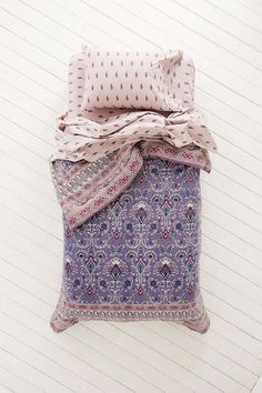 Plum & Bow Hazelle Bed-In-A-Bag Snooze Set - Urban Outfitters