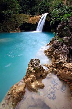 Tanap Avis Falls, Phillipines