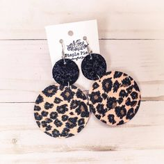 Cheetah print with black glitter. Sezzle accepted Cheetah print with black glitter. Diy Leather Earrings, Clay Earrings, Handmade Leather Jewelry, Earrings Handmade, Diamond Earrings, Cute Jewelry, Jewelry Crafts, Jewelry Kits, Jewelry Trends