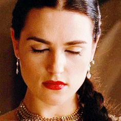 Katie McGrath (Morgana)