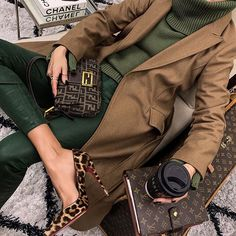 Daily Fashion – Daily fashion all trends dresses shoes pants jeans Winter Fashion Outfits, Fall Winter Outfits, Look Fashion, Autumn Winter Fashion, Womens Fashion, Fashion Clothes, Fall Fashion, Fashion Models, Summer Outfits