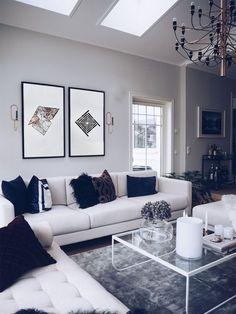 Table design, living room inspiration, home interior design, home deco, dig Living Room Grey, Home And Living, Living Room Decor, Bedroom Decor, Living Rooms, Modern Living, Silver Living Room, Chic Living Room, Minimalist Living