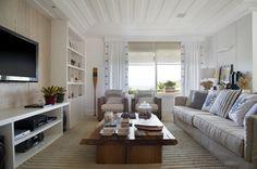 As vilas de luxo localizadas em Nova York serviram de inspiração para o décor desta casa de praia no Rio de Janeiro