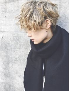 アットラブ(at'LAV by Belle) Gender free mash 【semiwet 】[Belle原宿] Ftm Haircuts, Tomboy Hairstyles, Cool Haircuts, Haircuts For Men, Pretty Hairstyles, Curly Hair Men, Girl Short Hair, Short Hair Cuts, Curly Hair Styles