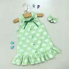 Vestidinho African Dresses For Kids, Dresses Kids Girl, Little Dresses, Cute Dresses, Toddler Dress, Baby Dress, Baby Girl Fashion, Kids Fashion, Simple Frocks