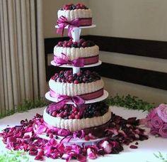 election votez pour le gateau le plus beau Beautiful Cakes, Amazing Cakes, Mini Cakes, Cupcake Cakes, Bling Wedding Cakes, Magenta Wedding, Fresh Fruit Cake, Purple Cakes, Mini Tortillas