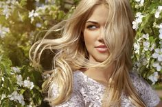 Do blondes really have more fun? Don't miss these interesting blonde hair facts to discover the ways hair color influences perceptions of beauty and sexuality. Best Natural Hair Dye, Natural Hair Styles, Long Hair Styles, Natural Skin, Blonde Hair Facts, Spring Hairstyles, Trendy Hairstyles, Organic Hair Dye, Oily Hair