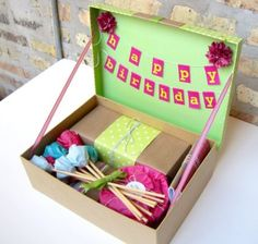 Make simple and handy homemade gifts with easily available materials. Craft useful supplies for your dear ones as a DIY gift to cherish. Explore our wonderful DIY gift ideas for trying out. Homemade Birthday Gifts, Homemade Gifts, Diy Gifts, Cadeau Surprise, Diy Cadeau, Party In A Box, Friend Birthday, Birthday In A Box, Birthday Wishes