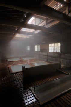 Onsen. Shikanoyu hot spring in Nasuyumoto, Japan #onsen