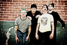 Red Hot Chili Peppers frontman Anthony Kiedis dealt a blow at hopes of fans. The band will not collaborate with a leader of Foo Fighters Dave Grohl and vocalist of Guns N 'Roses Axl Ro… Alternative Songs, Hootie & The Blowfish, John Frusciante, Anthony Kiedis, Face The Music, Hottest Chili Pepper, Free Youtube, Foo Fighters, Marching Bands