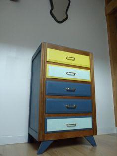 commode-annees-50-pied-compas-bois-massif-couleur-bleu-jaune