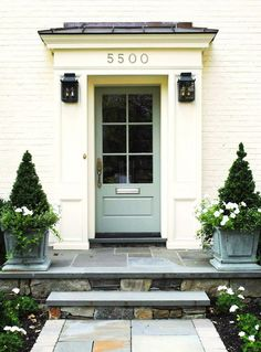 Mint door with styled urns
