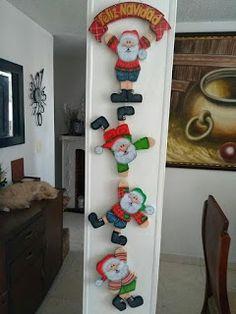 Santa In Chimney Door Hanger Clay Christmas Decorations, Beaded Christmas Ornaments, Christmas Projects, Christmas Wreaths, Christmas Crafts, Christmas Store, Felt Christmas, Simple Christmas, Christmas Brunch