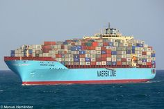 Maersk Kendal - Container ship read about it in Rose George's Deep Sea and Foreign Going Merchant Navy, Merchant Marine, Tanker Ship, Freight Transport, Maersk Line, Boat Drawing, Boat Lights, Armada, Blockchain Technology
