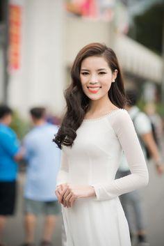 Sao Việt nào mặc áo dài trắng đẹp nhất? - Ảnh 15
