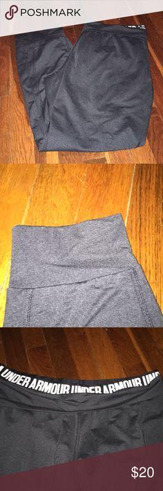 Joggers Charcoal color, EUC, has pockets Under Armour Pants Track Pants & Joggers