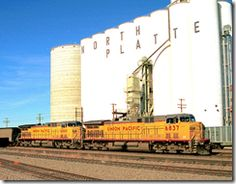 Union Pacific GE 6837 and 6880 in North Platte Nebraska, USA, December, 1997 North Platte Nebraska, Train Tracks, Where The Heart Is, Places Ive Been, Life Is Good, Adventure, Elevator, Muscle Cars, Trains