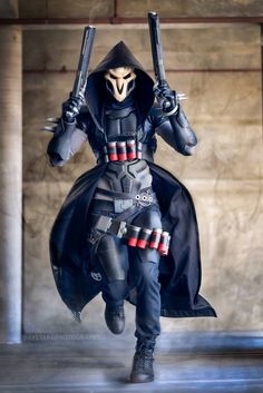 Reaper from Overwatch by Henchmen Props and Cosplay. Amazing.