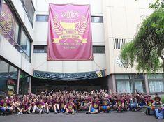 Aufwendige Abi-Scherze wie auf diesem Foto aus dem Jahr 2012 mit massenhaft Schülern vor dem Carl-Benz-Gymnasium (CBG) wird es vorerst nicht geben.