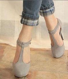 .pretty t strap heels