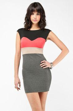 there's a coral thing going on with me...LOVE this -- sweetheart colorblock