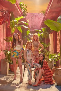 Check out Mamamoo @ Iomoio Kpop Girl Groups, Korean Girl Groups, Kpop Girls, Namjin, K Pop, Mamamoo Moonbyul, Solar Mamamoo, Vintage Poster, Red Moon