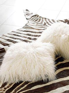 Le coussin fourrure de Mongolie 40x40 cm | Simons