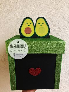 Let's avoccudle ❤️ cajas personalizadas Care Package Decorating, Valentine Boxes For School, Happy Birthday Posters, Kraft Packaging, Diy And Crafts, Paper Crafts, Box Patterns, Cat Stickers, Creative Gifts