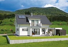 """Classic gable roof house """"cooking"""" of prefab White"""