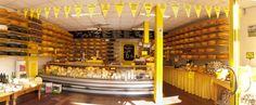 speciaalzaak: bijvoorbeeld een bloemenwinkel, kaaswinkel of meubelzaak.