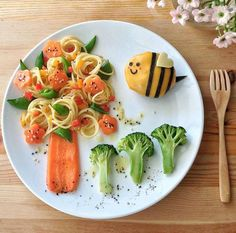 Kids Decoration – Unusual Meals at Various … - Gourmet-Rezepte Cute Food, Good Food, Cute Easter Desserts, Food Art For Kids, Food Carving, Food Decoration, Food Crafts, Food Humor, Creative Food