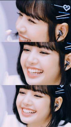 Blackpink Lisa, Blackpink Jennie, Kpop Girl Groups, Kpop Girls, Yg Entertainment, Lisa Blackpink Wallpaper, Blackpink Memes, Kim Jisoo, Black Pink Kpop