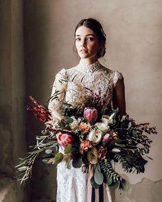 Elopement & Weddings (@blitzkneisser_foto) • Instagram-Fotos und -Videos Foto Instagram, Elope Wedding, Bridal Flowers, Christmas Wreaths, Floral Wreath, Bouquet, Bride, Holiday Decor, Weddings