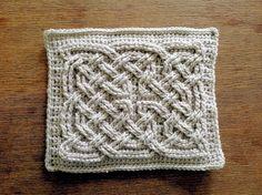 Free Crochet Pattern: Book of Kells Square Knot Insertion