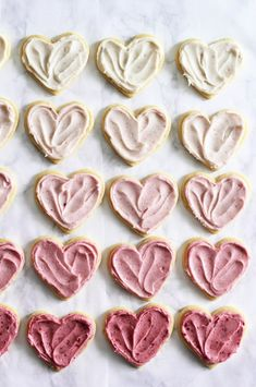 Ombré Raspberry Lemon Sugar Cookies for a Valentine's Day Treat. Love those soft, chewy Lofthouse cookies from the market? Try this recipe for the homemade version. Yummy Treats, Sweet Treats, Yummy Food, Pink Treats, Think Food, Love Food, Just Desserts, Dessert Recipes, Pink Desserts
