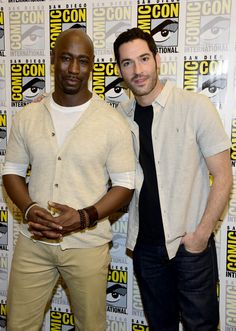"""Tom Ellis Photos - (L-R) Actors D.B. Woodside and Tom Ellis attends the """"Lucifer"""" Press Line during Comic-Con International 2016 at Hilton Bayfront on July 23, 2016 in San Diego, California. - Comic-Con International 2016 - 'Lucifer' Press Line"""
