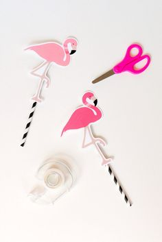 FREE printable flamingo decorations