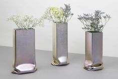 Made of a steel tube that is pressed under extreme pressure, the Pressure Vase Zinc is incredibly making metal looks like a soft and fragile material. Home Decor Near Me, Rooms Home Decor, Home Decor Store, Fall Home Decor, Cheap Dorm Decor, Cheap Bedroom Decor, Entryway Decor, Bedroom Ideas, Wall Decor