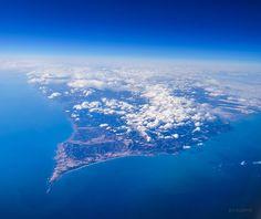 KAGAYA @KAGAYA_11949  10時間10時間前 本日飛行機から撮影した襟裳岬です。 夕方、北海道から東京に戻りました。