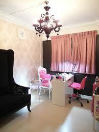 Home nail salon's Beauty Nail Salon, Home Nail Salon, Nail Salon Design, Nail Salon Decor, Salon Decorating, Decorating Ideas, Decor Ideas, Spa Interior, Nail Room